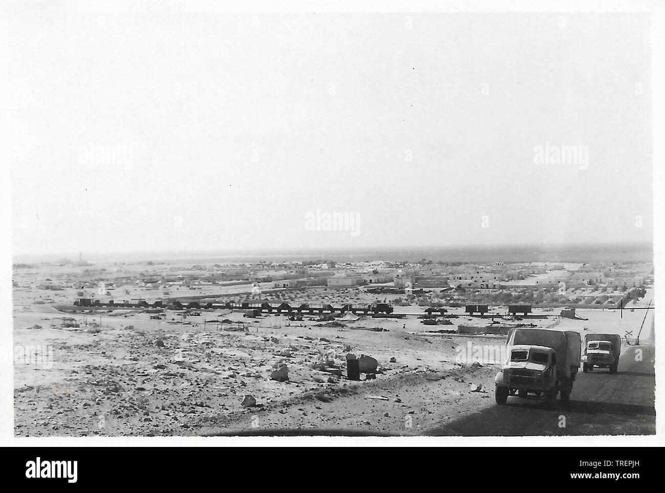 Convoi Derna Libye prises en 1943/44 par Flt Sgt Gleed RAF WW2, de l'Escadron 223 Photo Stock
