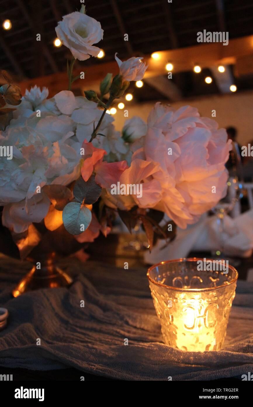 Deco De Table Bougie décoration de table de mariage pays avec des fleurs roses et