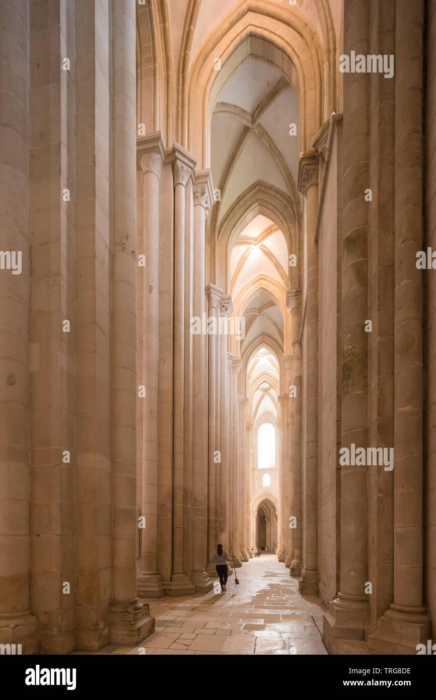 Un environnement plus propre dans le Mosteiro de Alcobaça, Leiria, Portugal Banque D'Images