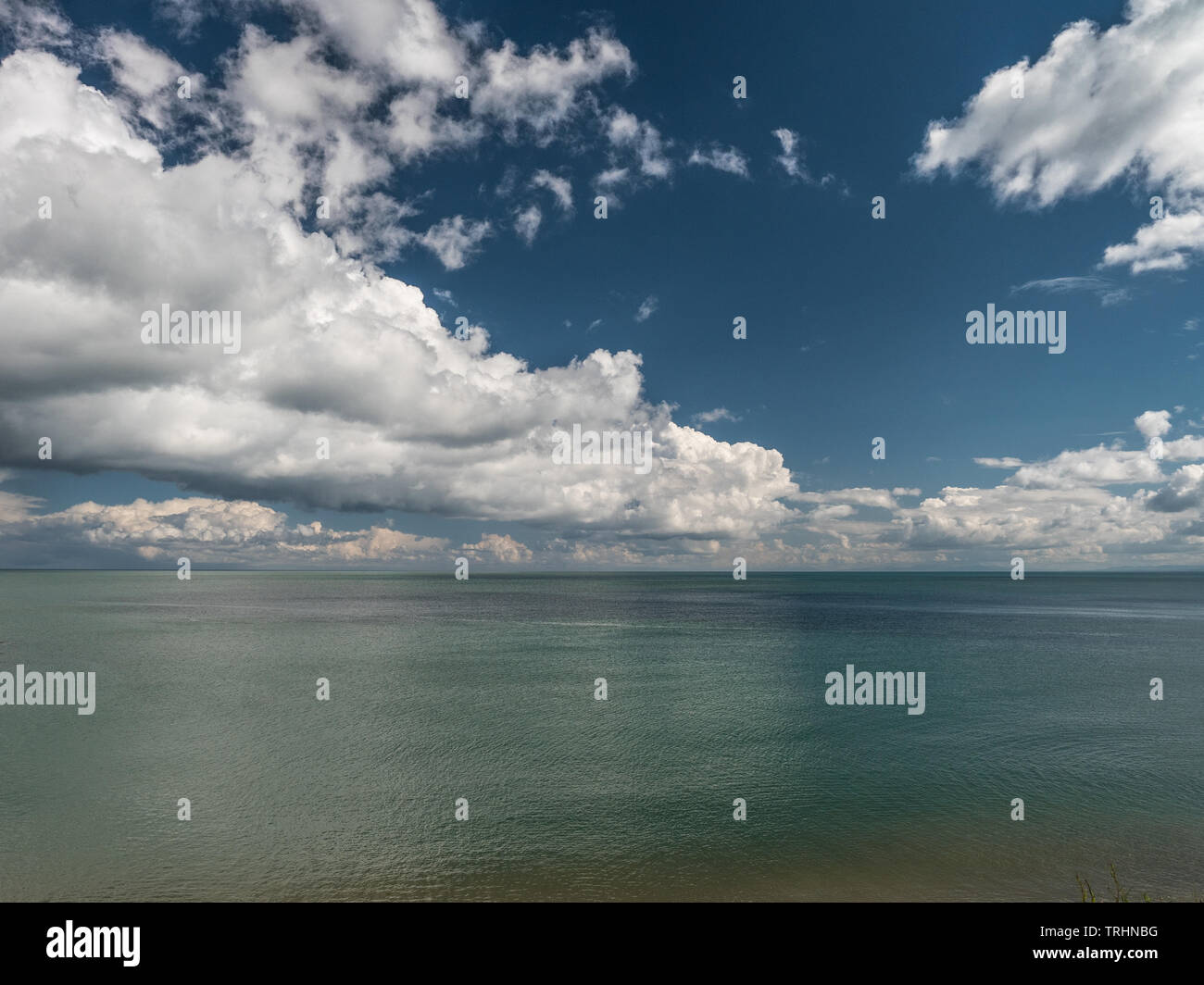 Plus de Cloudscape mer, la baie de Cardigan, Wales Banque D'Images