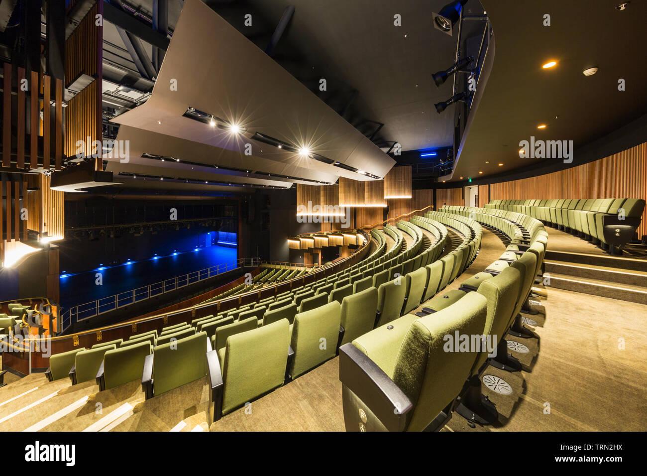 Le principal siège 940 Théâtre du Centre des arts de la scène de Cairns, Cairns, Queensland, Australie Banque D'Images