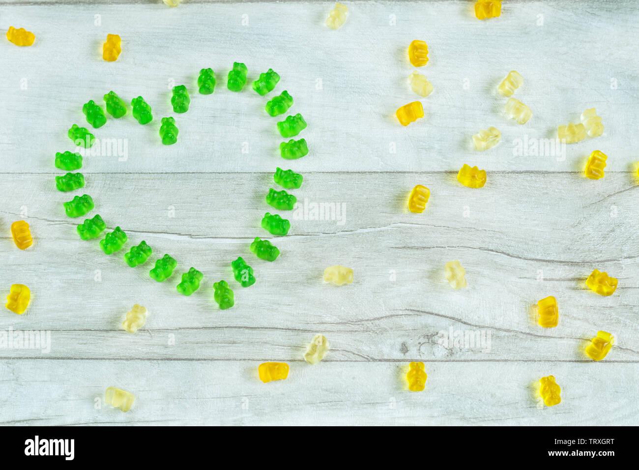 Cœur fait de gummy bears Banque D'Images