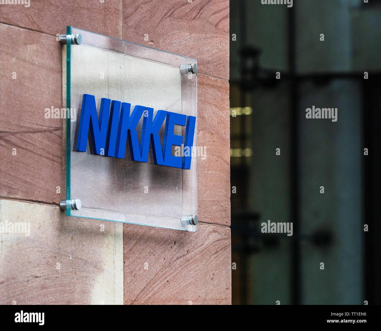 Siège social à Londres Nikkei Bracken House, également le Financial Times. Nikkei sont propriétaires du Financial Times. Siège éditorial pour la zone EMEA. Photo Stock