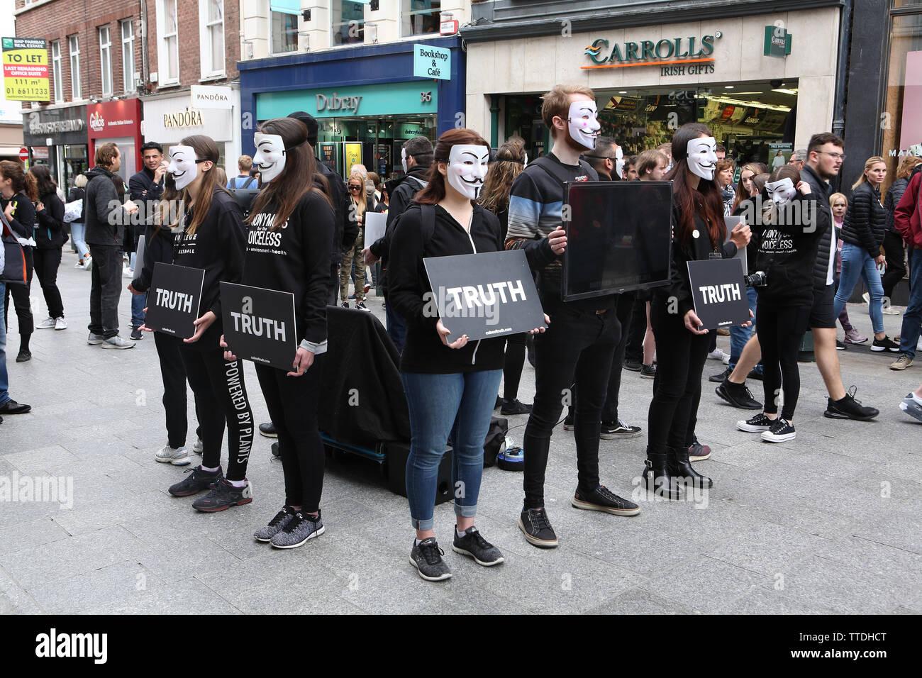 Meat is murder demo sur Grafton Street, Dublin, Irlande. Pour les sans-voix anonyme chapter en Irlande Photo Stock