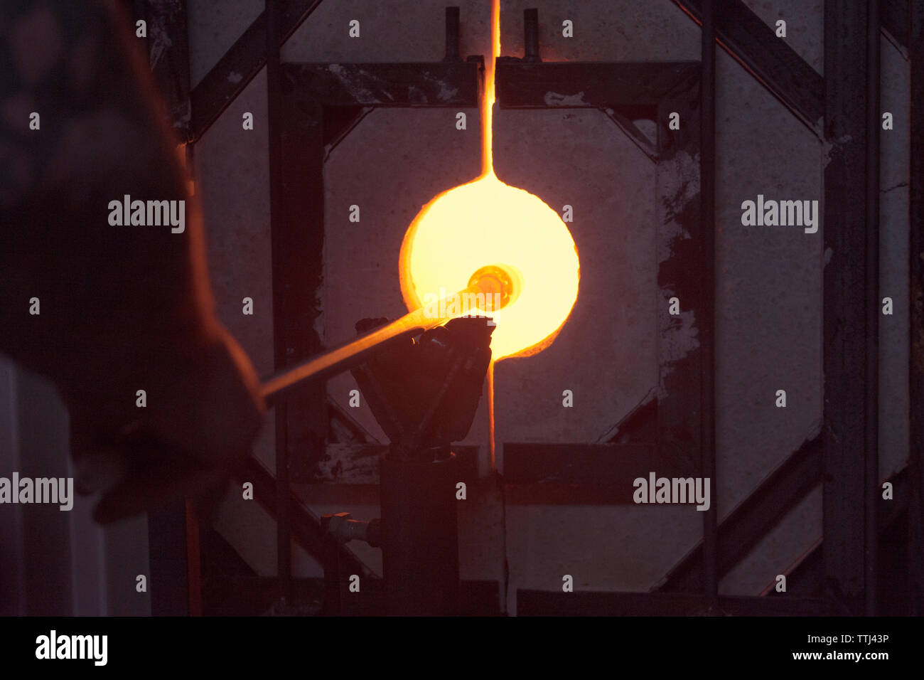 Souffleur De Verre Ile De Ré furnace glass photos & furnace glass images - alamy