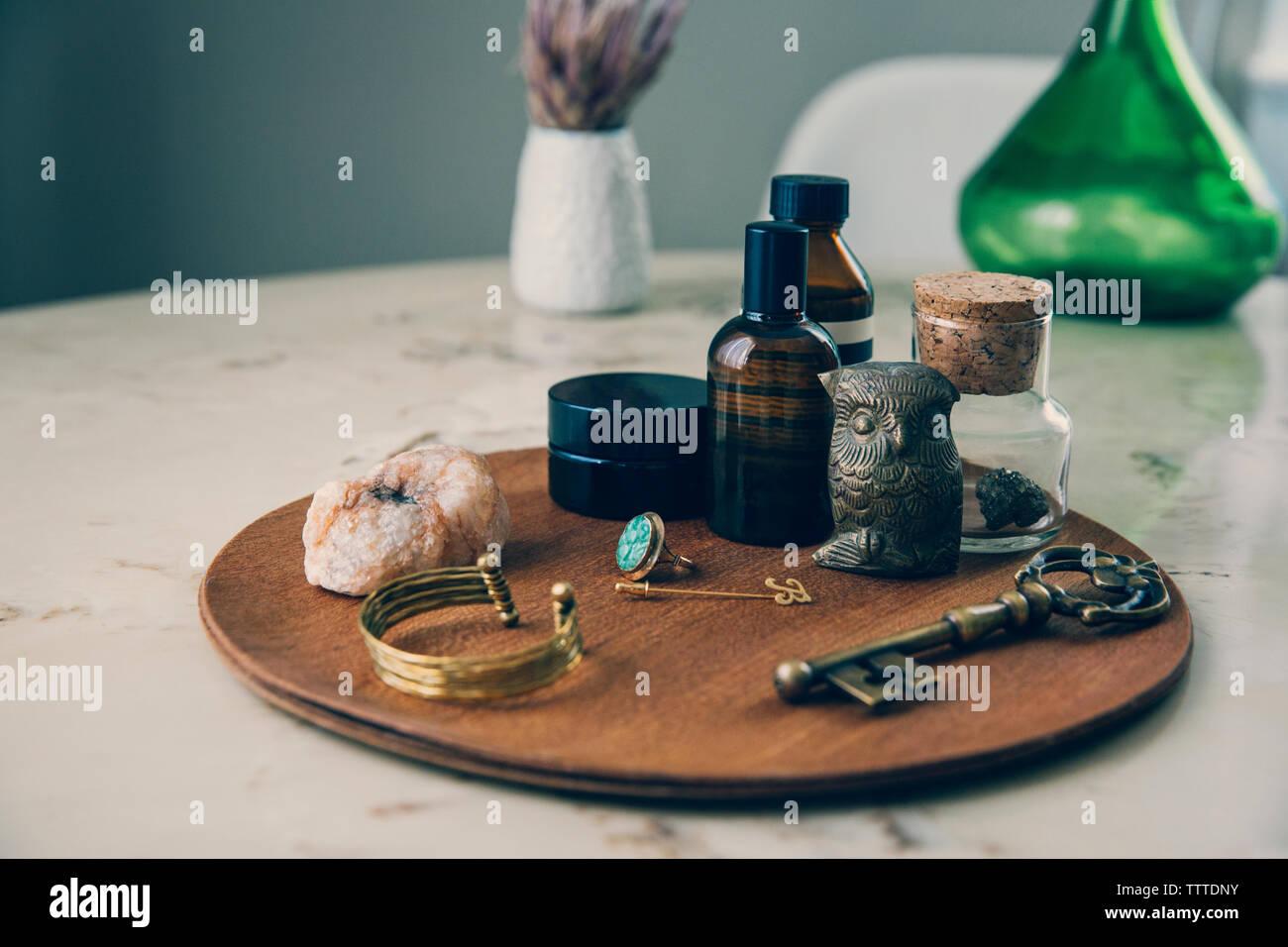 Portrait d'objets sur planche de bois Banque D'Images