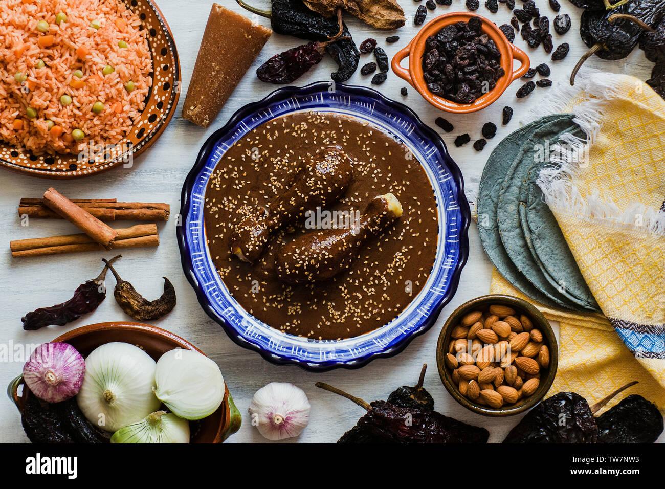 Mole mole poblano Mexicano, ingrédients, aliments épicés mexicains au Mexique traditionnel Banque D'Images