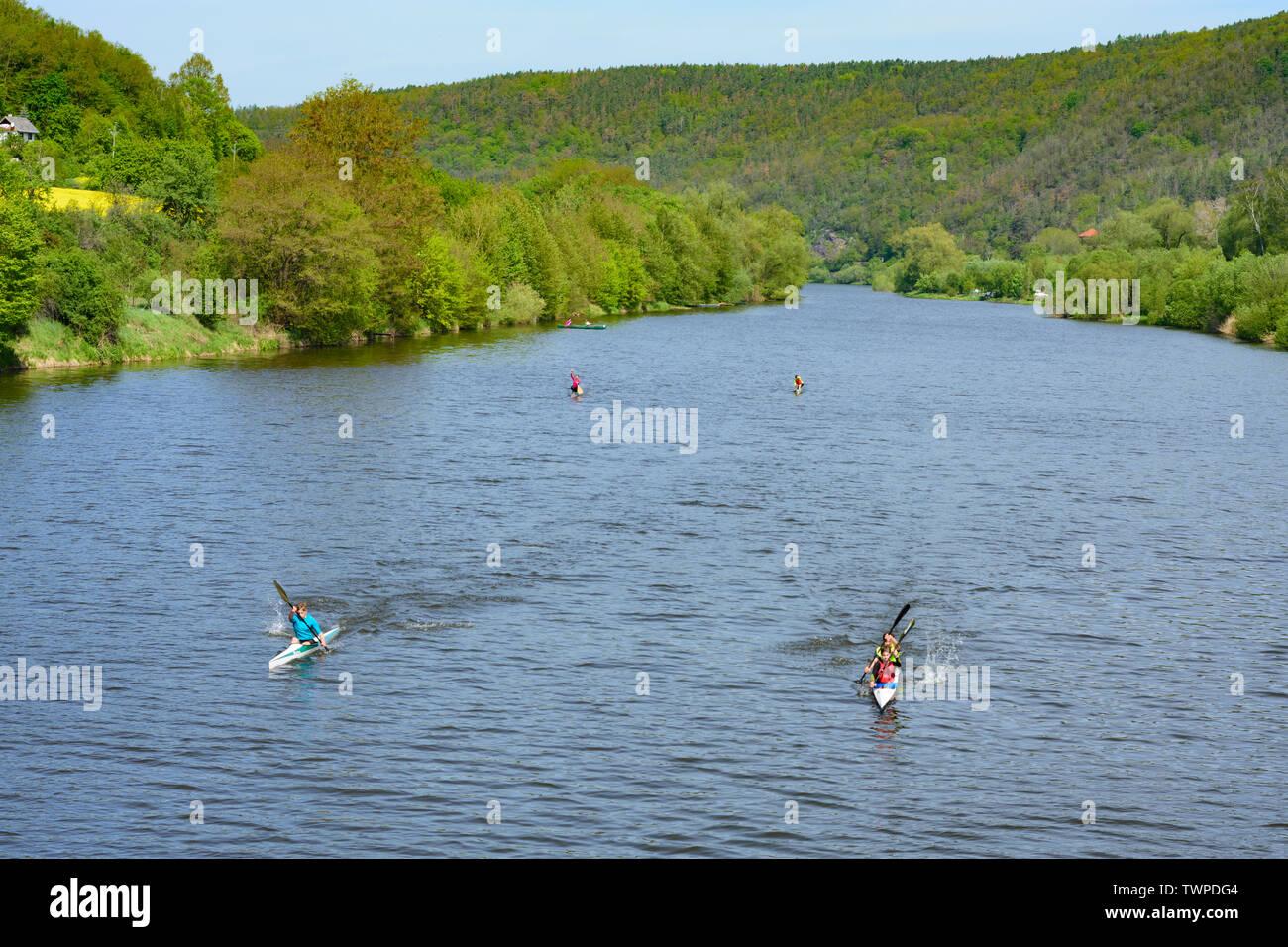 Beroun (Beraun): canoe, canoéiste à Berounka dans , Stredocesky, Mittelböhmen, Central Bohemia, République Tchèque Banque D'Images