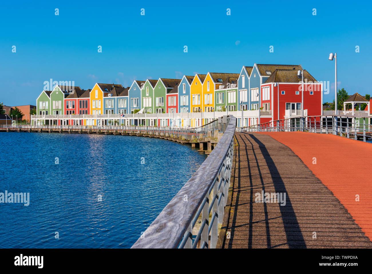 Bâtiment moderne de plusieurs maisons colorées à Houten Pays-Bas Banque D'Images