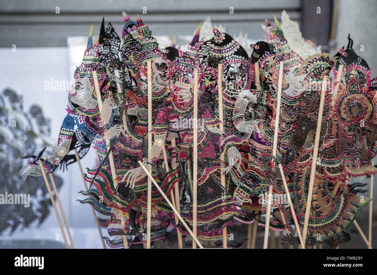 Close up art thaï objet à partir de la marionnette en cuir avec du bois pour nuit performance dans le sud de la Thaïlande la culture. Banque D'Images