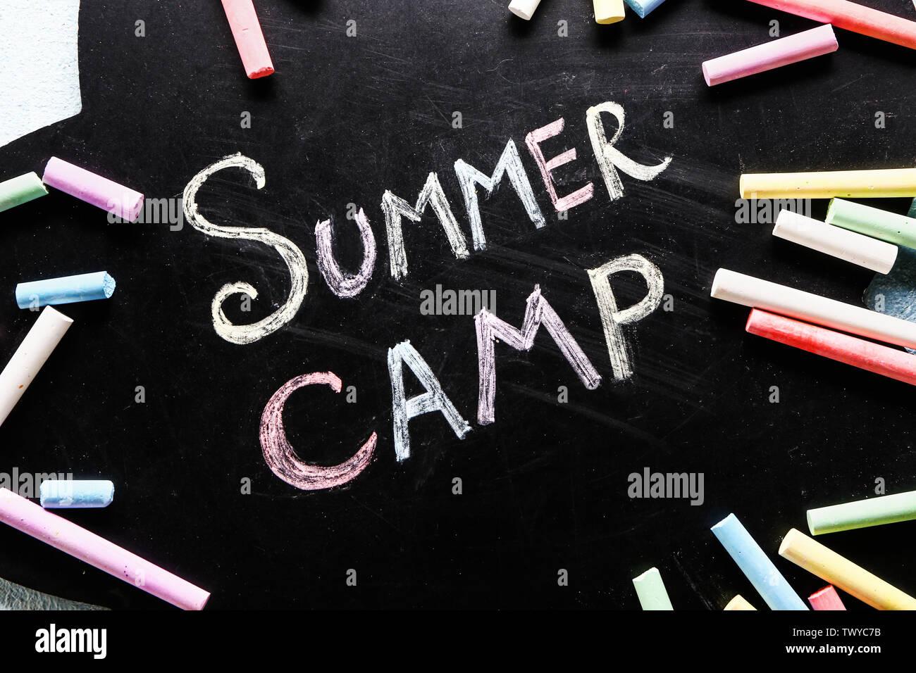 Tableau sur lequel un camp d'été, texte libre Photo Stock