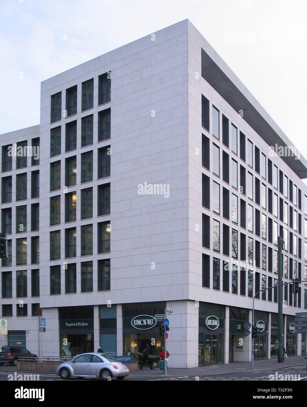 Düsseldorf, Steinstraße 21, Ecke Berliner Allee.; 25 janvier 2012; Travaux Propres; Kürschner (talk) 16:04, 25 janvier 2012 (UTC); Banque D'Images