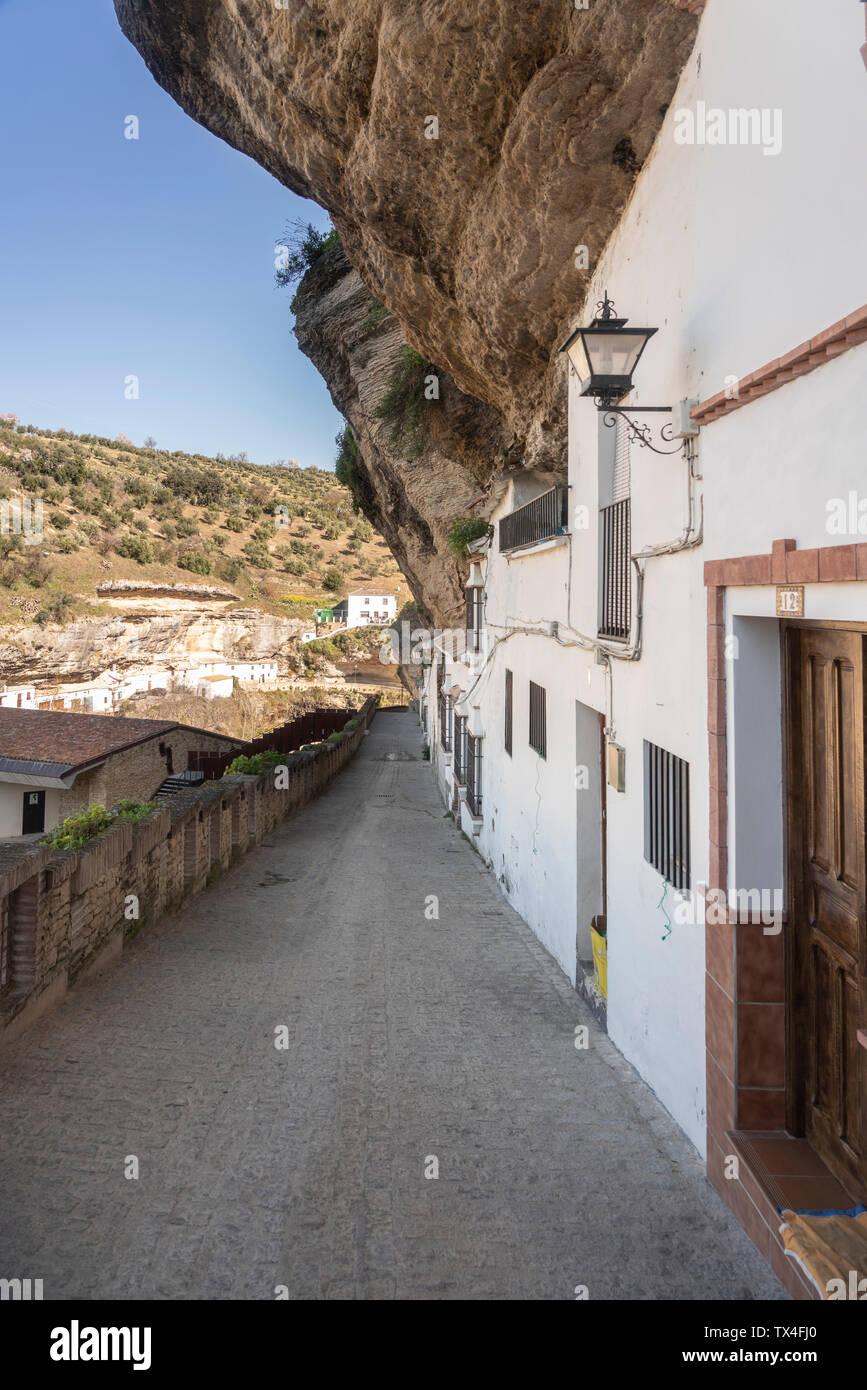 Espagne, Andalousie, province de Cadix, Setenil de las Bodegas, alley Banque D'Images