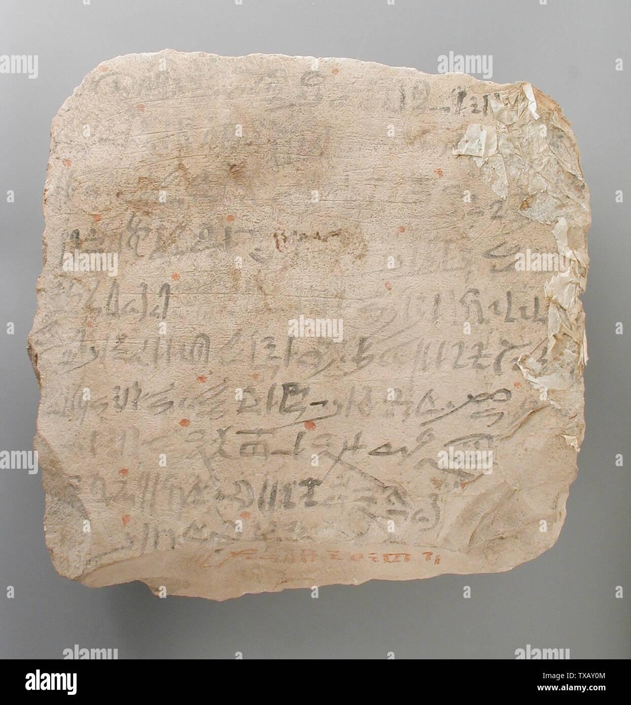 'Ostracon inscrit avec l'ouverture de la bouche, rituel de l'Égypte, Nouvel Empire, 19e et 20e dynastie, 1315-1081 av. J.-C. Les outils et l'équipement; calcaire ostraka 7 1/2 x 7 1/2 in. (19 x 19 cm) Don de Carl W. Thomas (M.80.203.188) L'art égyptien en ce moment sur la vue du public: Hammer bâtiment, étage 3; 1315-1081 B.C.; ' Photo Stock