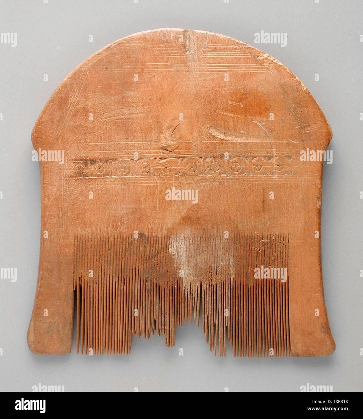 La palette 'Peigne manche; Anglais: Egypte, période copte (500 - 1000) ou plus tard les outils et l'équipement; Bois peignes Don de Jerome F. Snyder (M.80.202.259) L'art égyptien; période copte (500 - 1000) ou plus tard; ' Photo Stock