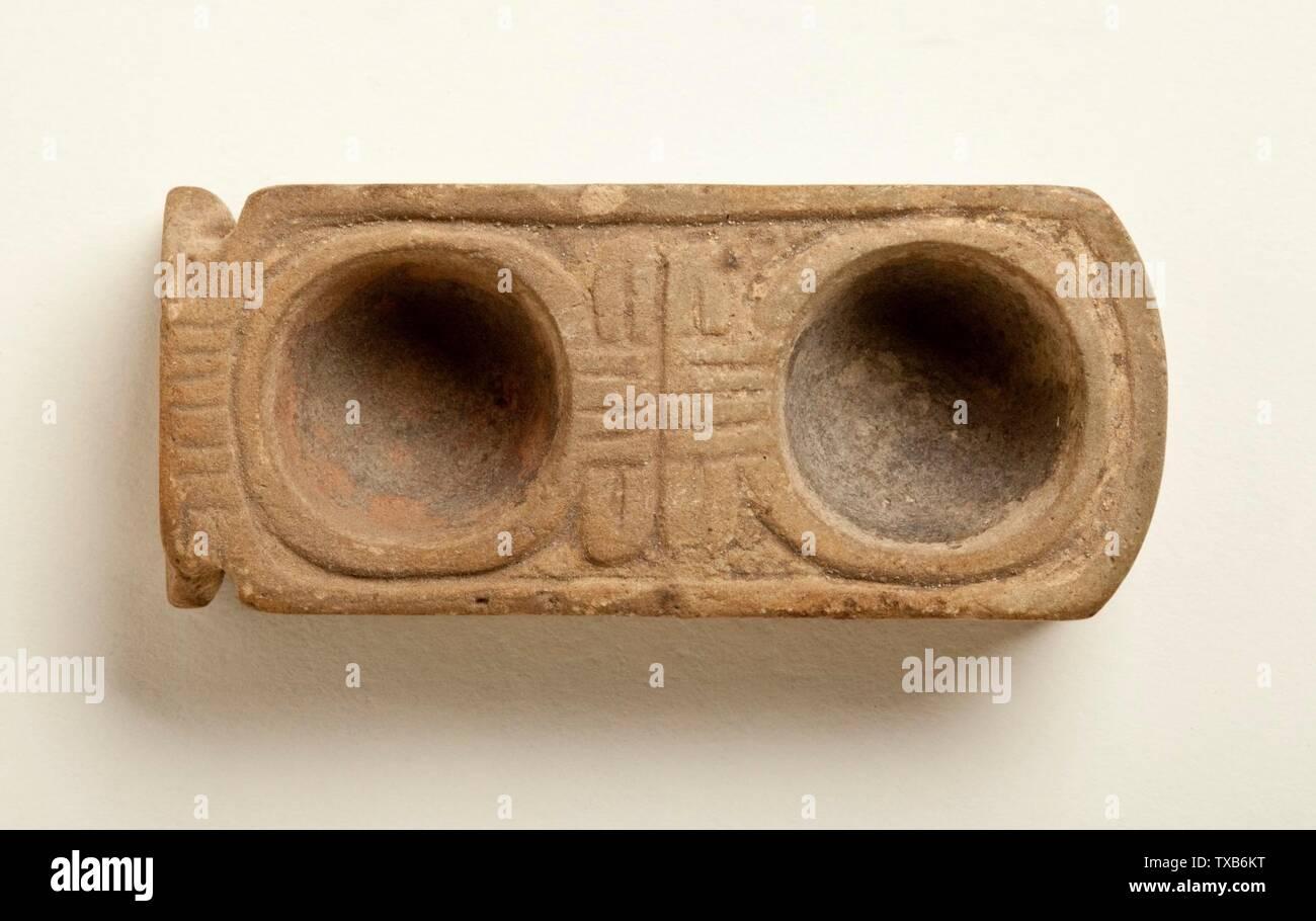Palette '; Anglais: Egypte, nouvelle période, Kingdom-Ptolemaic 1569-305 B.C. Outils et équipements; Faïence palettes Don de Robert Miller et Marilyn Miller Deluca (M.80.199.111) L'art égyptien; 1569-305 B.C.; ' Photo Stock