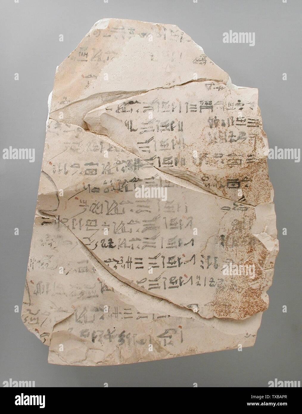 'Une partie de la reconstitution d'un Ostracon décrivant le rituel pour Amen-Re; Haute Egypte, Thèbes, probablement village de Deir el Medina, Nouvel Empire, 19e et 20e Dynasties (1315 - 1081 avant notre ère) Outils et équipement; calcaire ostraka 5 1/8 x 5 11/16 in. (13 x 14,5 cm Don de Carl W. Thomas (M.80.203.192) L'art égyptien; 19e et 20e Dynasties (1315 - 1081 avant notre ère); ' Photo Stock