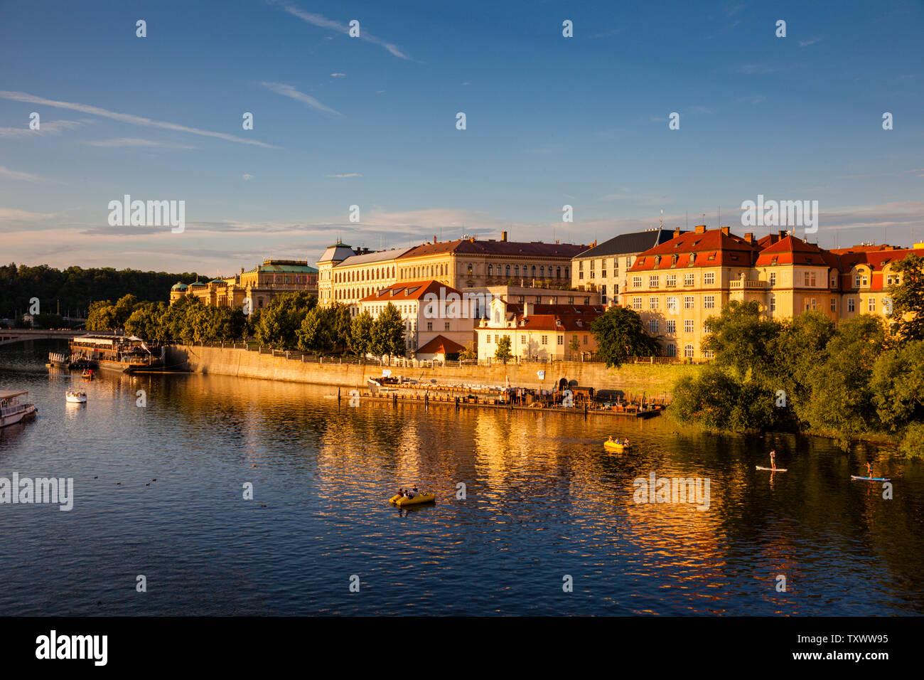 Citicsape Prague à partir de pont à Prague, capitale de la République tchèque Banque D'Images