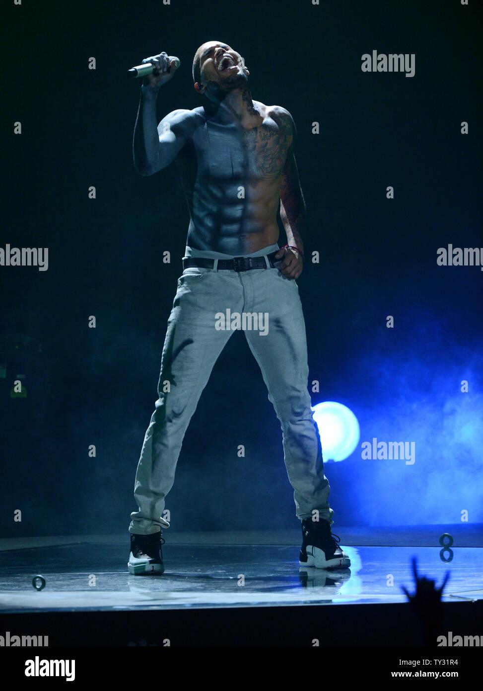 qui est Chris Brown datant maintenant 2012 Guide pour dater le côté obscur