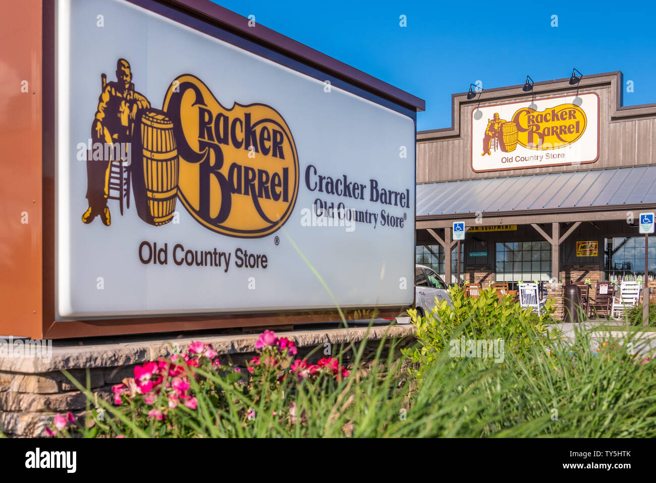 Cracker Barrel Old Country Store restaurant à Zagreb, en Géorgie. (USA) Banque D'Images