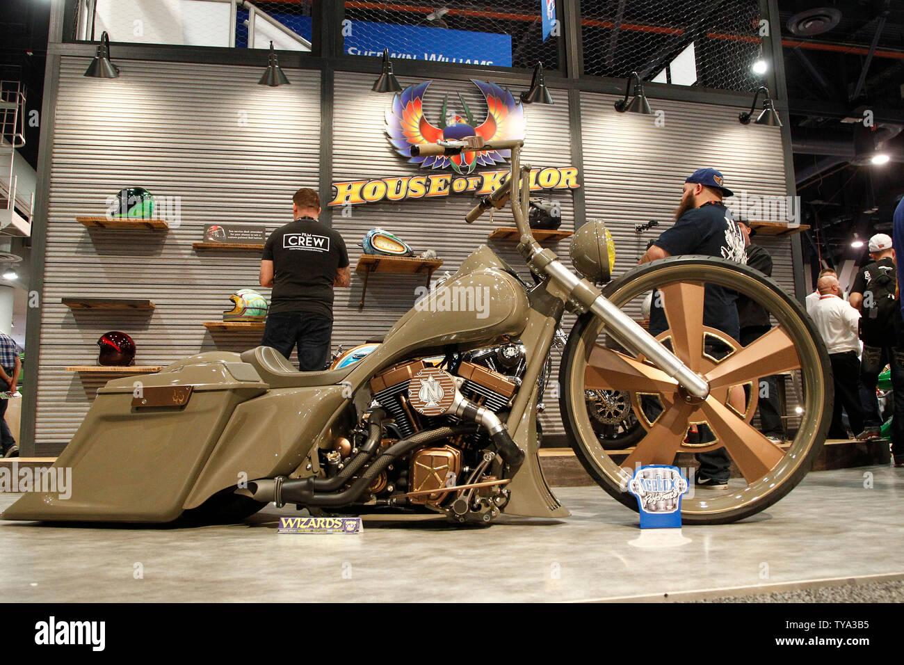 Un customzied Harley-Davidson Street Glide moto sur l'affichage pendant la SEMA Show 2018, au centre des congrès de Las Vegas à Las Vegas, Nevada, le 30 octobre 2018. Photo de James Atoa/UPI Banque D'Images
