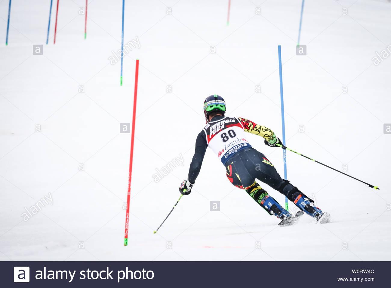 ZAGREB, CROATIE - 4 janvier 2018: Pension Keil Breitfuss S. de Bol est en concurrence au cours de l'AUDI FIS Alpine Ski World Cup Slalom Hommes, Snow Queen Trophy 2018 à Zagreb, Croatie. Photo Stock