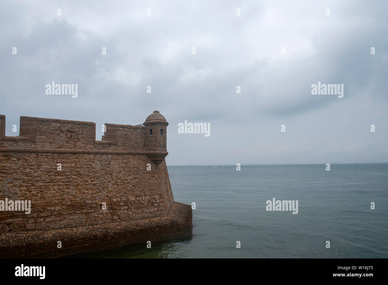 Mur du château de San Sebastian dans la province de Cadix, Espagne Banque D'Images