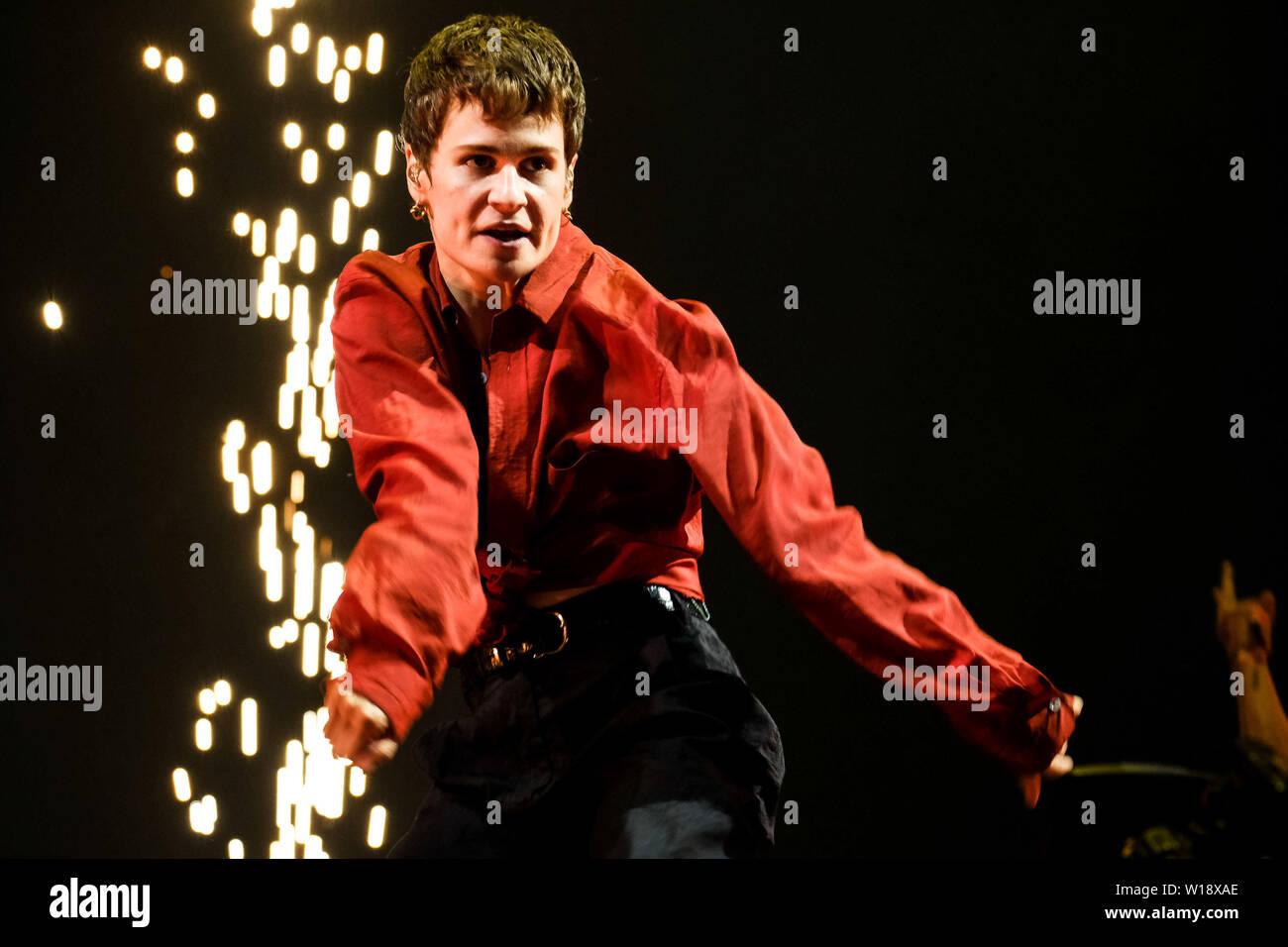 Pilton, Somerset, Royaume-Uni. 30 Juin, 2019. Christine et le Queens joue sur l'autre scène à Glastonbury Festival 2019 le dimanche 30 juin 2019 à Digne ferme, Pilton. Héloïse Marguerite Letissier. Photo par Julie Edwards. Credit: Julie Edwards/Alamy Live News Banque D'Images