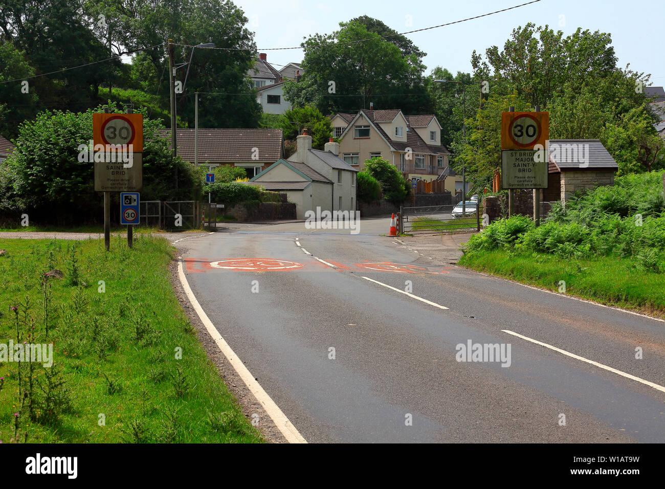 La grille du bétail à la fin de la politique commune de l'arrêt de moutons d'entrer dans St Brides grand village onn, la route principale de Ewenny à perruque. Photo Stock