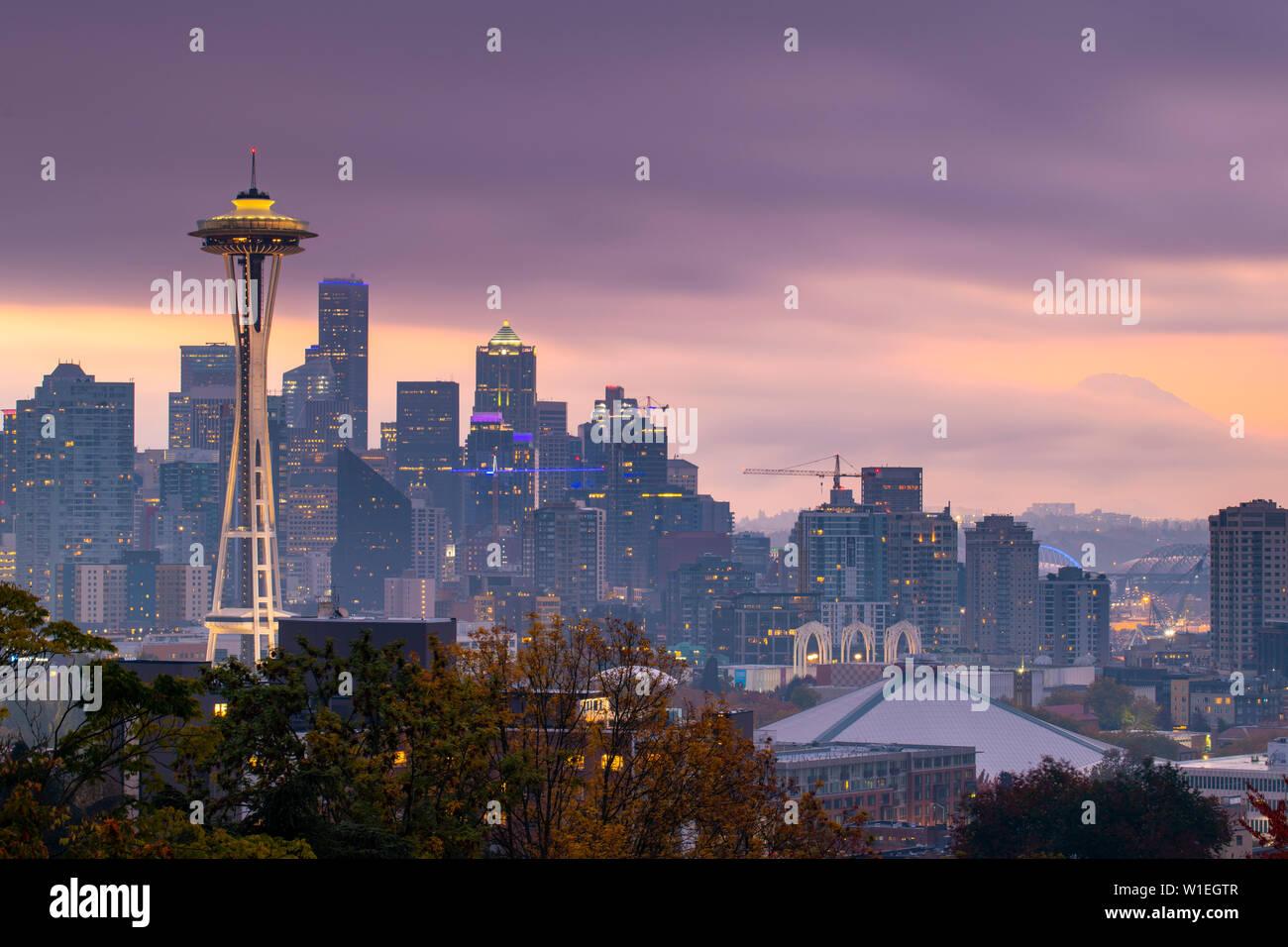 Vue de la Space Needle de Kerry Park, Seattle, État de Washington, États-Unis d'Amérique, Amérique du Nord Banque D'Images