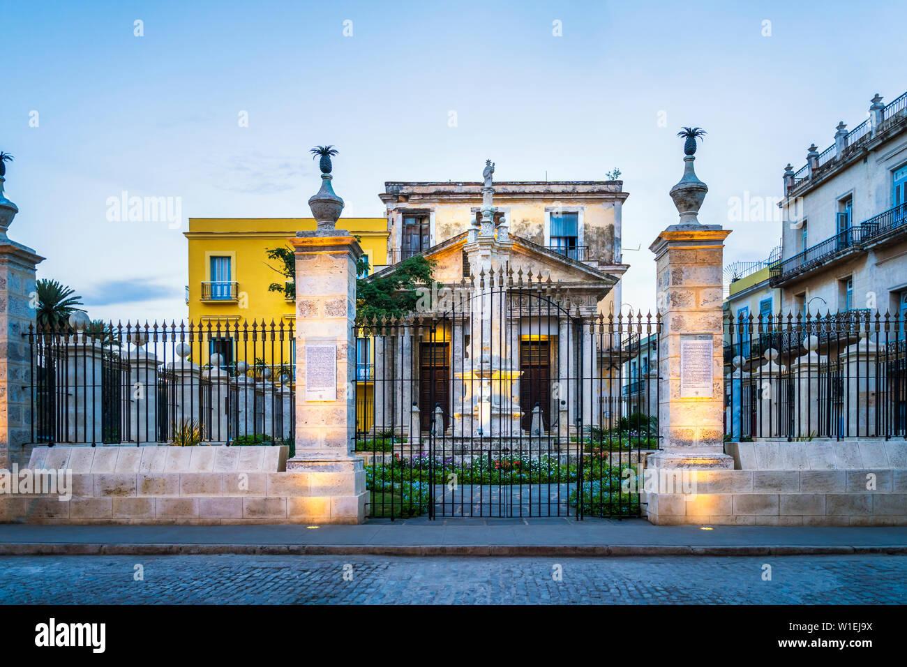 El Templete à La Habana Vieja, Site du patrimoine mondial de l'UNESCO, La Vieille Havane, La Havane, Cuba (La Havane), Antilles, Caraïbes, Amérique Centrale Banque D'Images