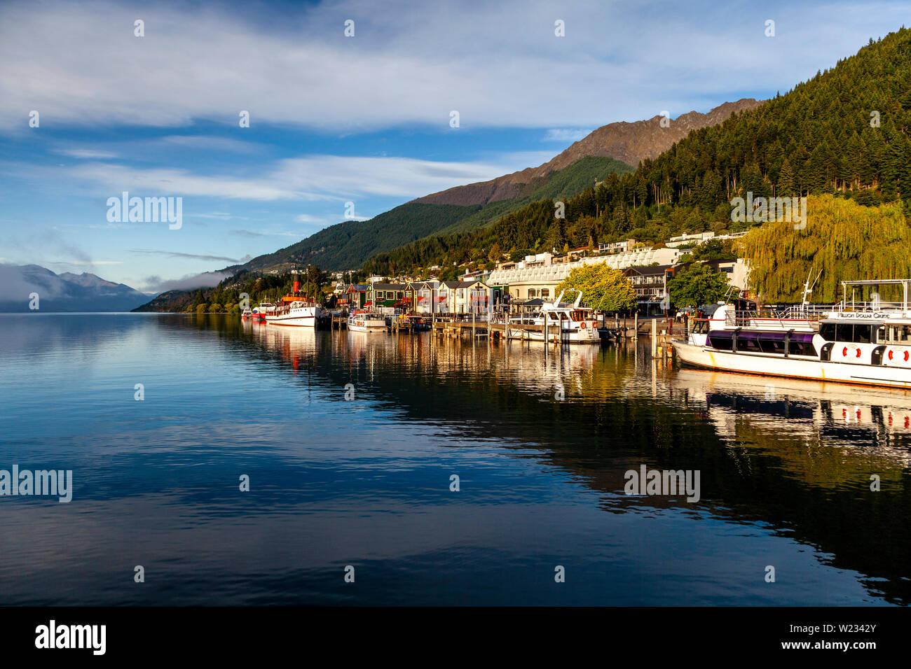 Le lac Wakatipu et Queenstown, Otago, île du Sud, Nouvelle-Zélande Banque D'Images