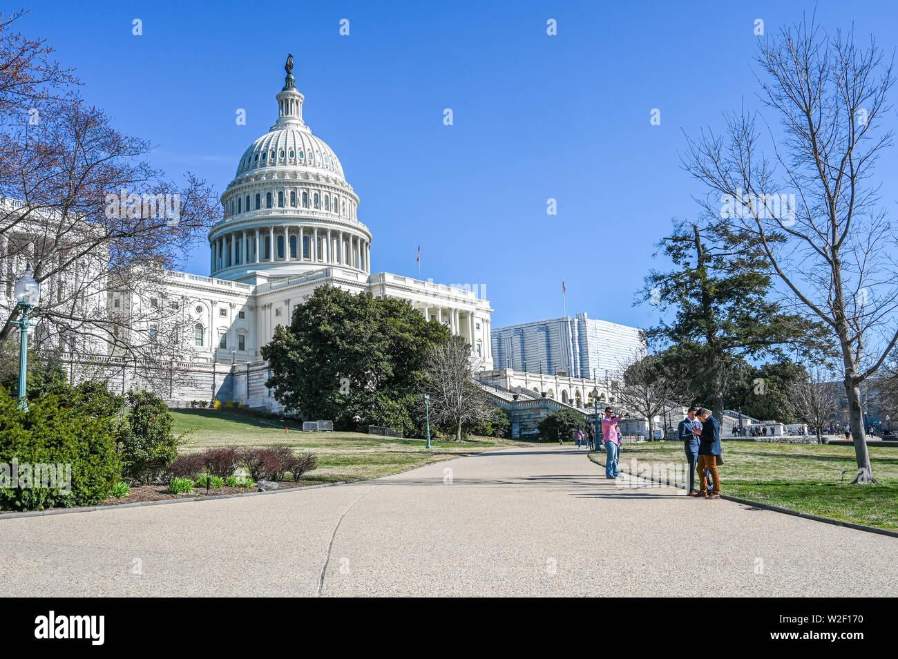 À l'Ouest avant de United States Capitol. Le Capitole est le siège du Congrès américain. Banque D'Images