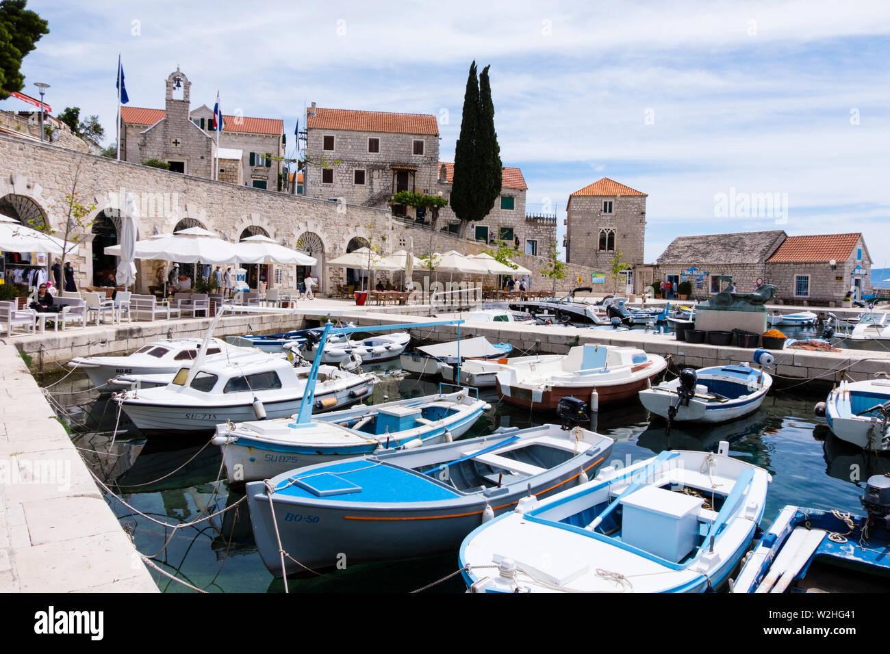 Bateaux, port, Bol, Brac, Dalmatie, Croatie Photo Stock