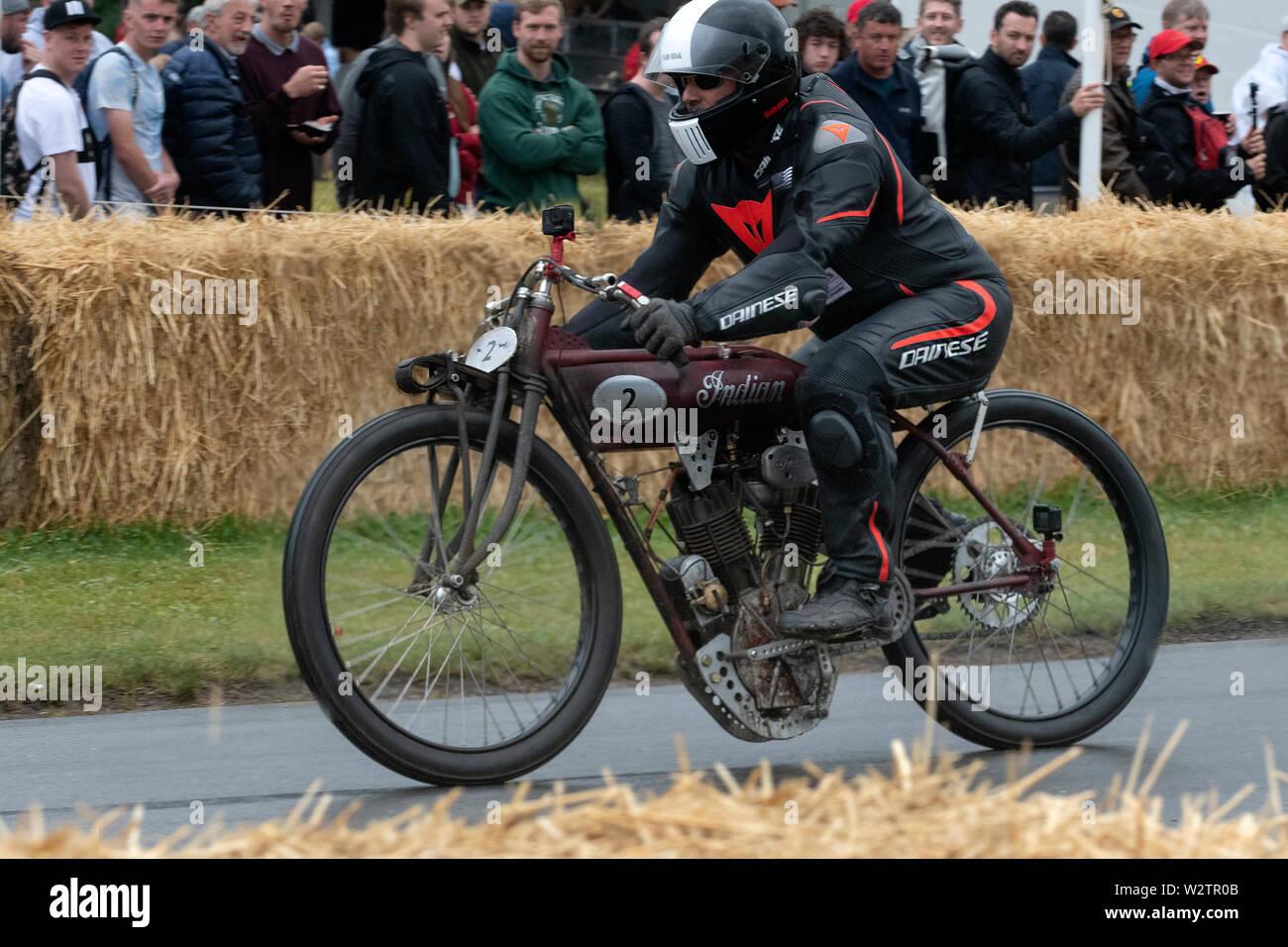 Goodwood Festival of Speed 2019 du Grand Prix d'avant-guerre tosome machines spéciales très anciens combattants y compris motos mis à l'épreuve sur la 1.16 Banque D'Images