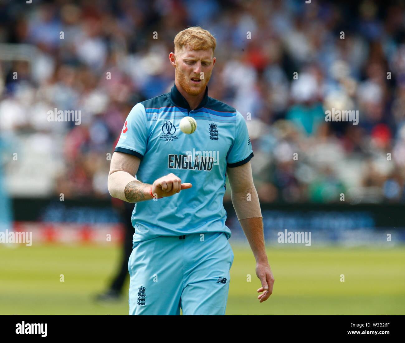 Londres, Royaume-Uni. 14 juillet, 2019. Londres, Angleterre. Le 14 juillet: Ben Stokes de l'Angleterre au cours ICC Cricket World Cup Finale entre l'Angleterre et la Nouvelle-Zélande sur le Lord's Cricket Ground le 14 juillet 2019 à Londres, en Angleterre. Action Crédit: Foto Sport/Alamy Live News Banque D'Images