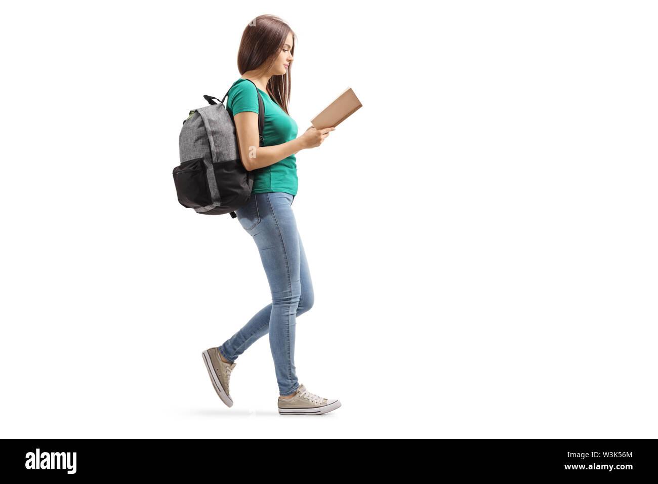 Profil de pleine longueur sur une femme avec un sac à dos de la ...