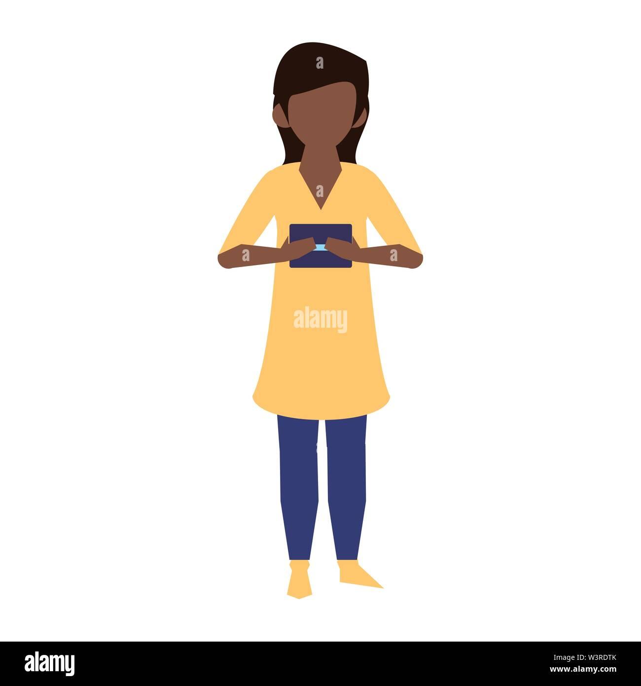 Femme en utilisant la technologie mobile smartphone pour lire message chat cartoon vector illustration graphic design Photo Stock
