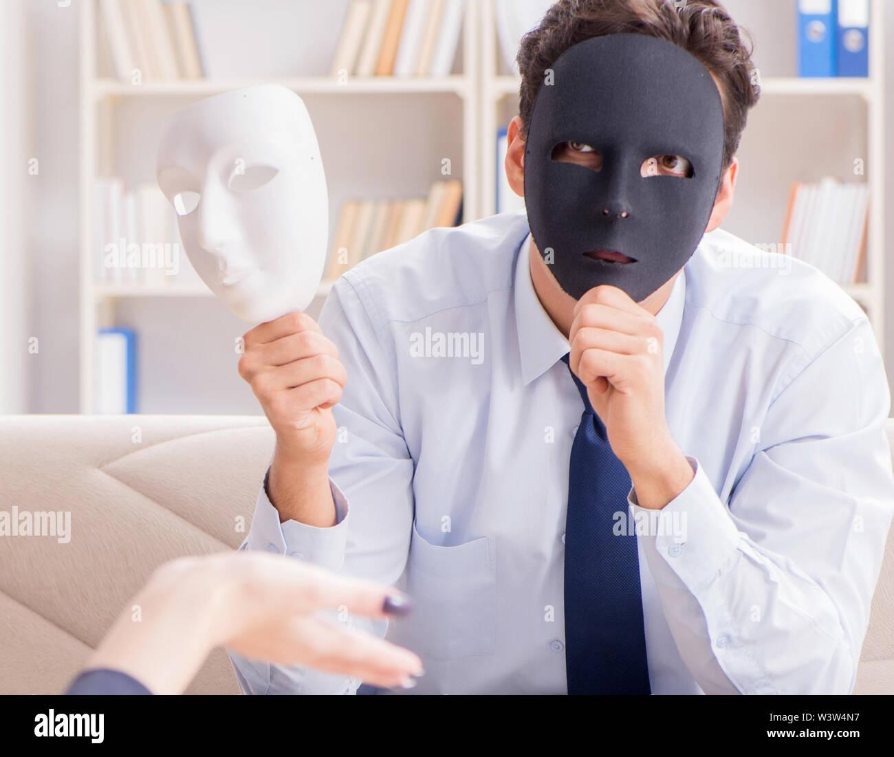 Le jeune homme se rendant sur Psychiatre Médecin Photo Stock