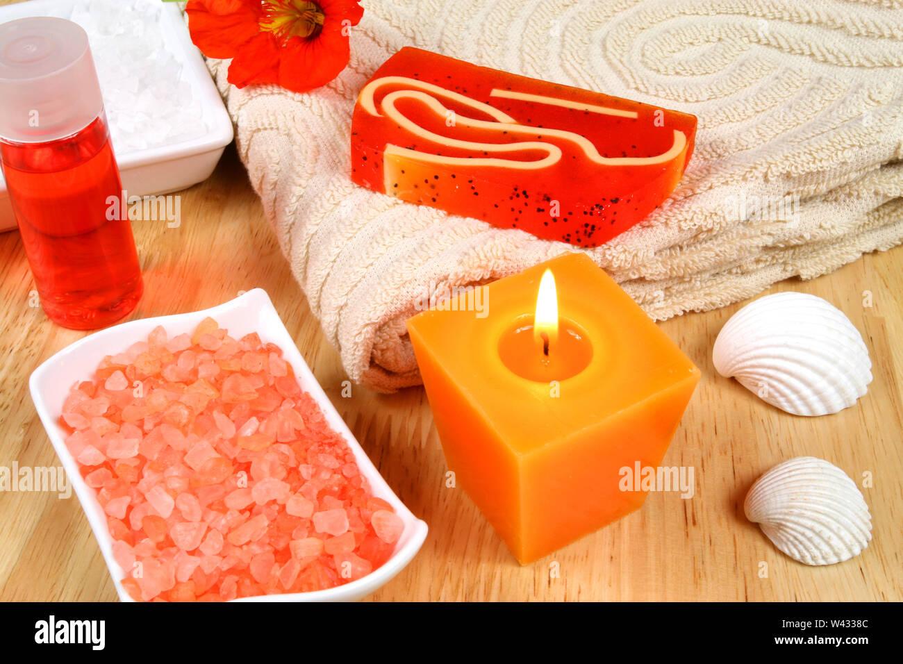 L'aromathérapie dans le spa. Outils et accessoires Orange Photo Stock