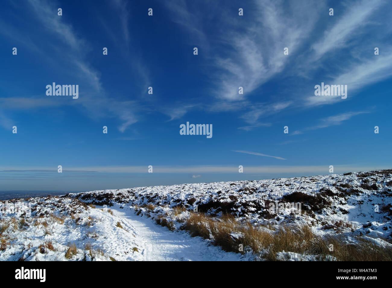 UK,Derbyshire/South Yorkshire, Peak District,Totley,Moss Road à Wimble Holme colline en direction de Totley Banque D'Images