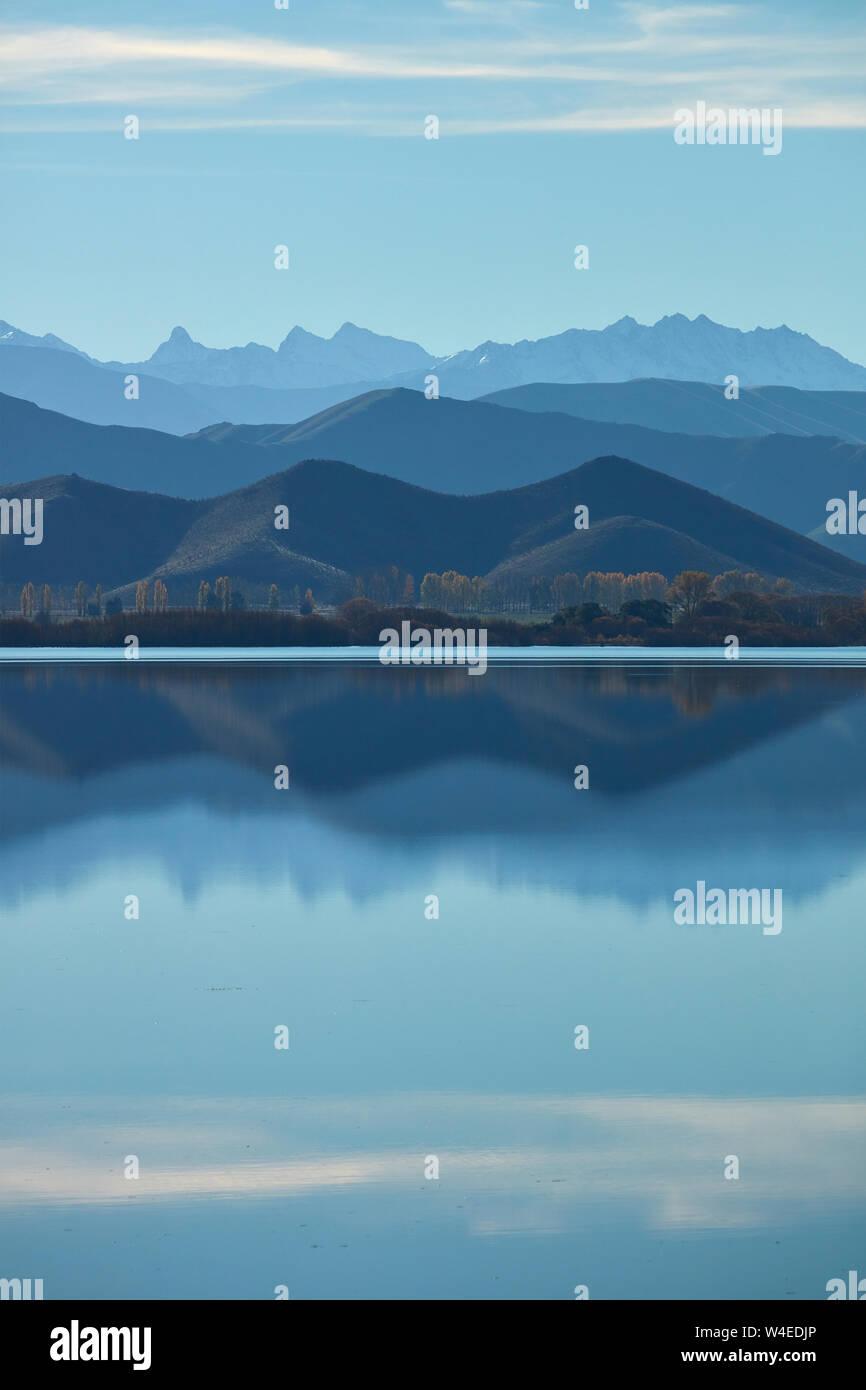 Dans les Montagnes, Lac Benmore Waitaki Valley, North Otago, île du Sud, Nouvelle-Zélande Banque D'Images