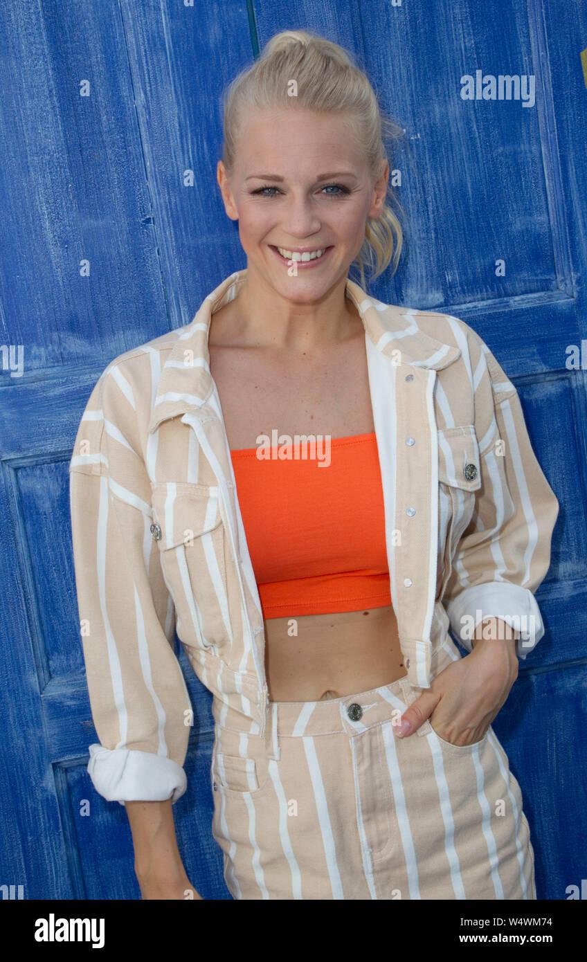 Rust, Allemagne - 21 juillet 2019: ARD/SWR TV Show: immer wieder Sonntags avec la chanteuse Julia Lindholm Banque D'Images
