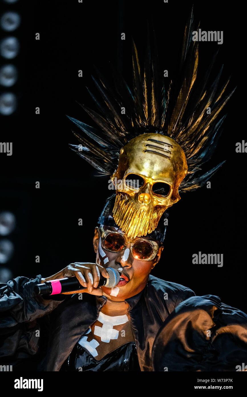 Preston Park, Brighton, Royaume-Uni. 4 août 2019. Grace Jones effectue à BN1 Lovefest , partie de la fierté de Brighton. Grace Jones Beverly JO (né le 19 mai 1948) est un Jamaican-American modèle, chanteuse, auteur-compositeur, producteur, et l'actrice.. Photo par Julie Edwards./Alamy Live News Banque D'Images