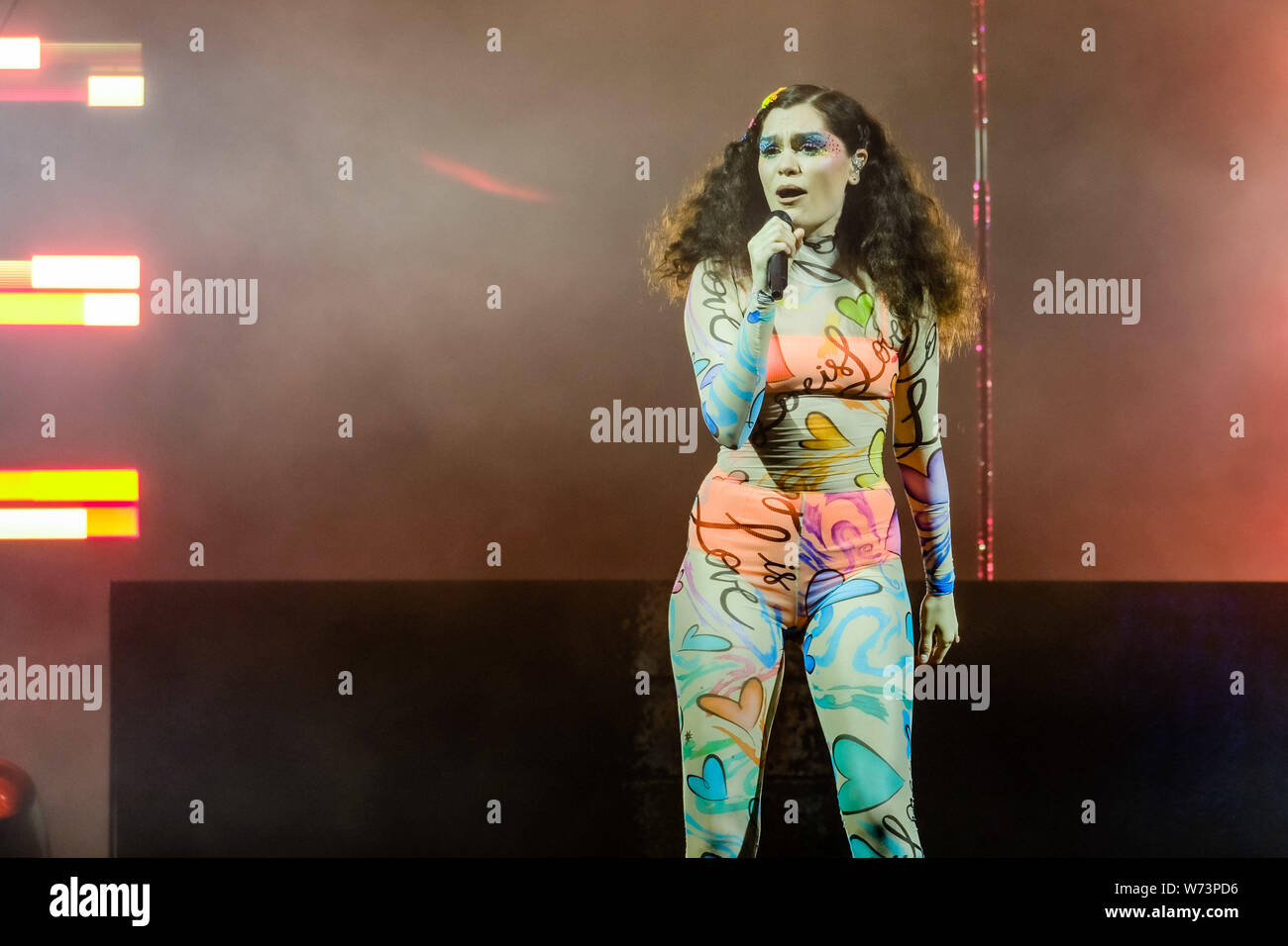 Preston Park, Brighton, Royaume-Uni. 4 août 2019. Jessie J effectue à BN1 Lovefest , partie de la fierté de Brighton. Jessica Ellen Cornish, connu comme Jessie J, est un chanteur et auteur-compositeur.. Photo par Julie Edwards./Alamy Live News Banque D'Images