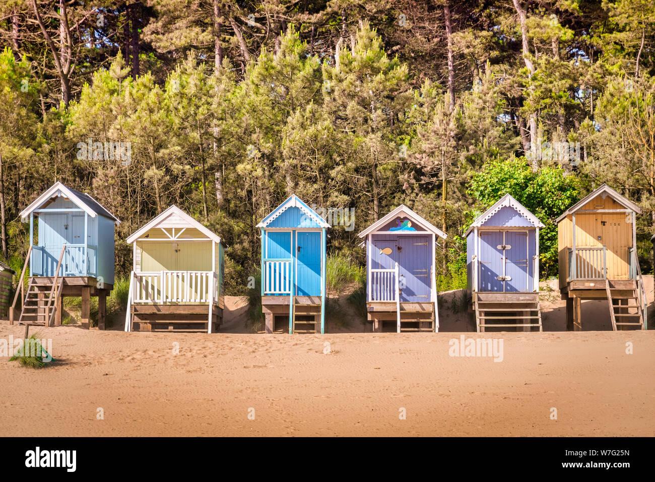 Cabanes sur la plage à Wells-Next-The-Sea, Norfolk, Angleterre, Royaume-Uni. Banque D'Images