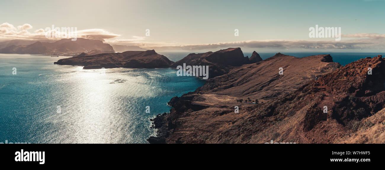 Vue panoramique sur l'île dans la mer de l'Atlantique, Ponta de Sao laurence, Madeira, Portugal Banque D'Images