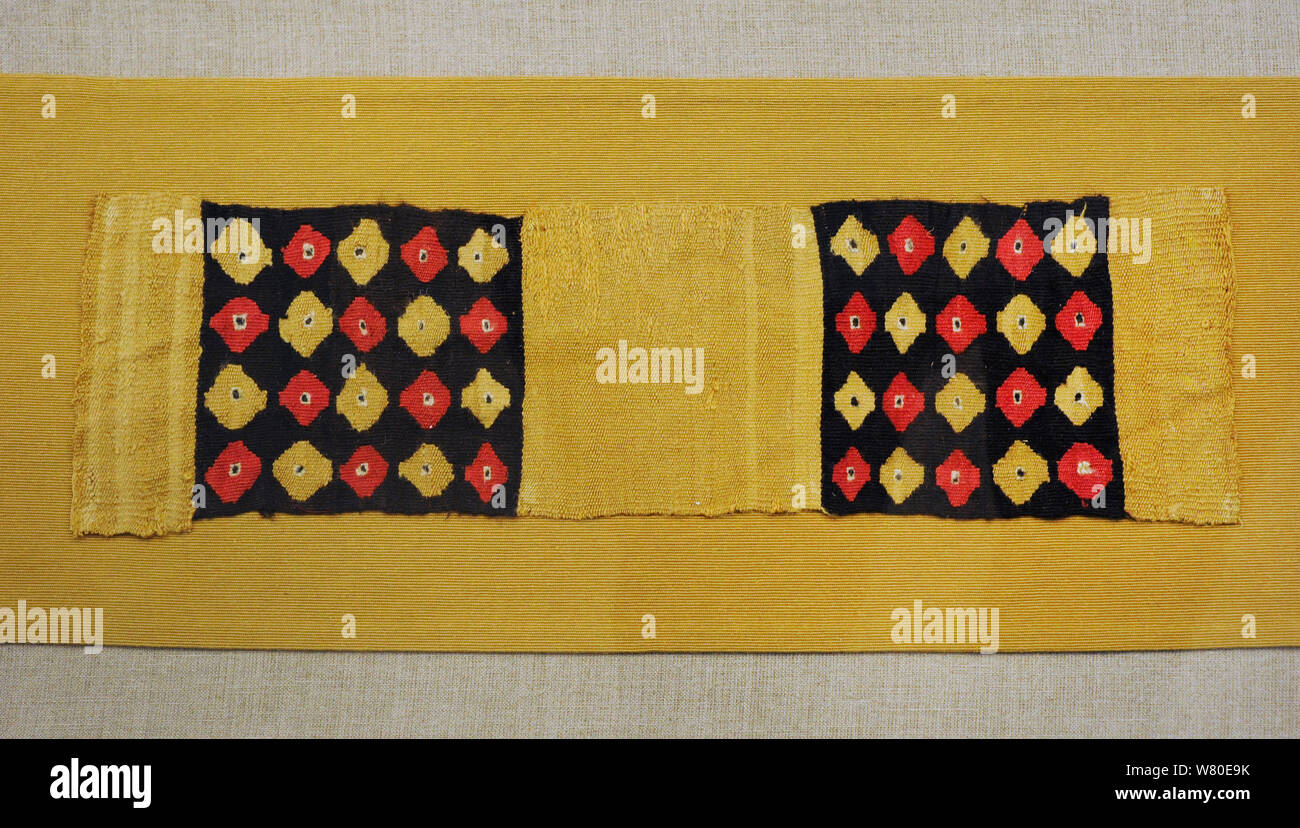 Des fragments de textiles. Il y avait différents types de qualités de textiles. Au cours de la période inca, le plus beau était cumbi, faites avec de vigogne. Le centre de la côte. La fin de l'horizon intermédiaire (1000-1450). Le Pérou. Le coton et les fibres des camélidés. Musée de l'Amérique. Madrid, Espagne. Banque D'Images