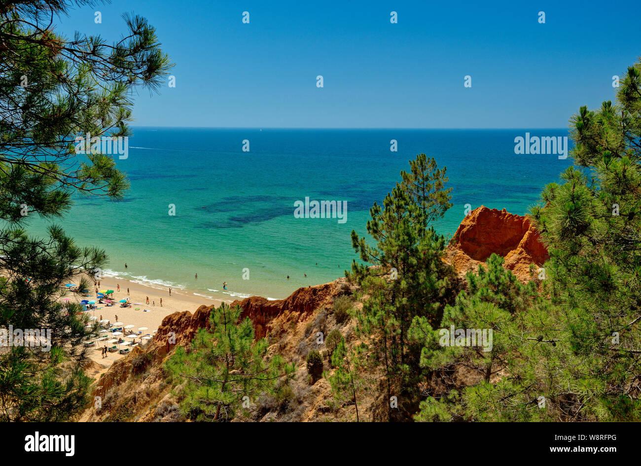 Praia da Falésia, Algarve, Portugal Banque D'Images