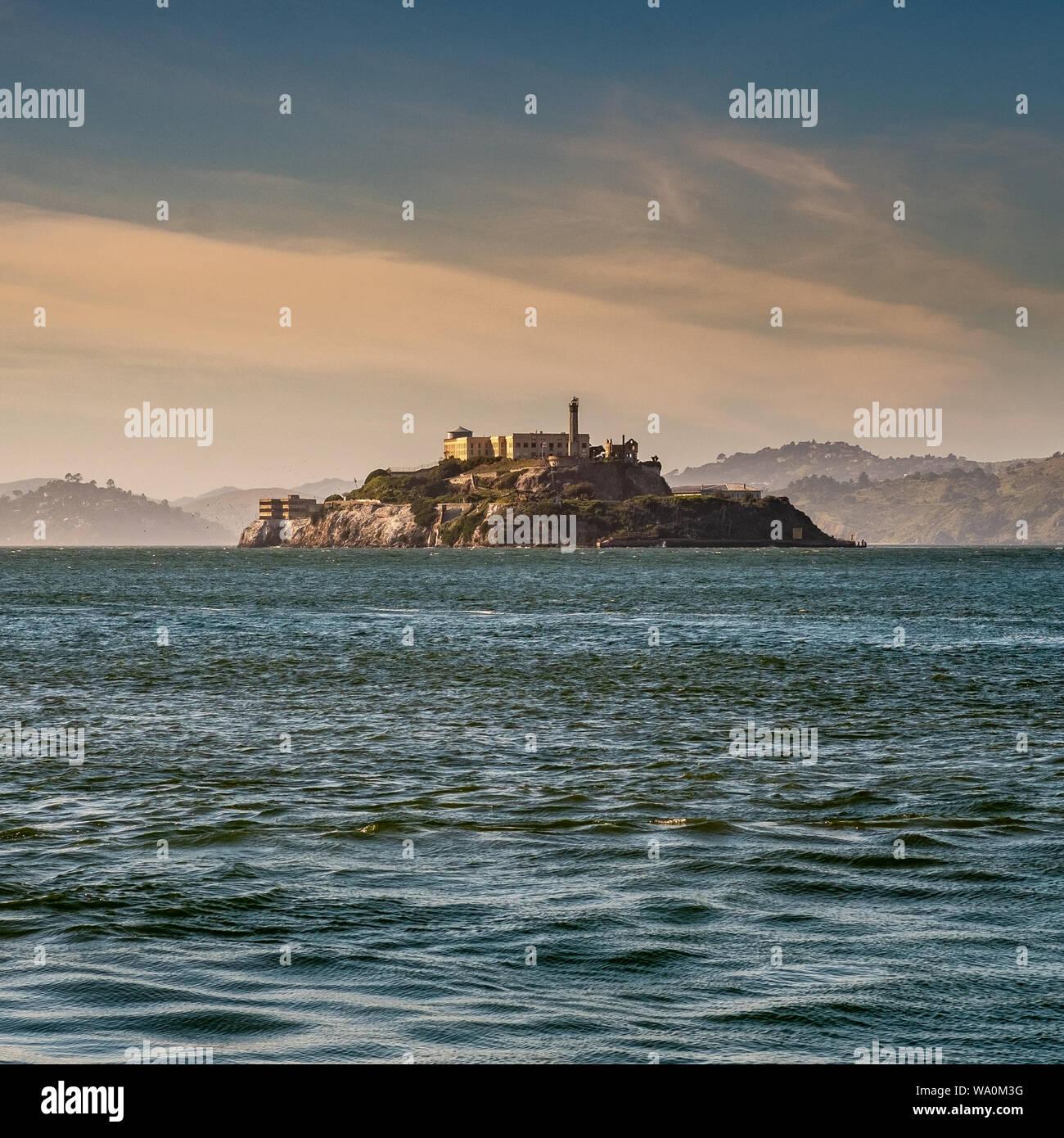L'île d'Alcatraz dans la baie de San Francisco. San Francisco, Californie, États-Unis d'Amérique Banque D'Images